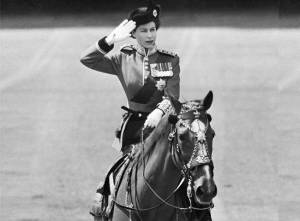 young-queen-elizabeth-ii-on-horseback